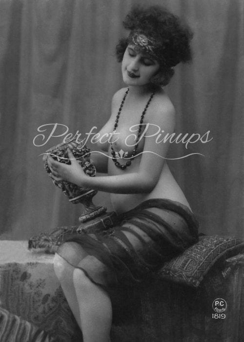 Vintage black pin up girls nude