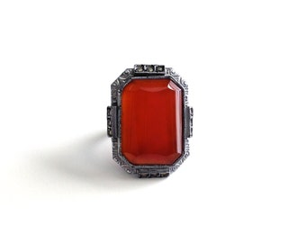 Vintage Antique Art Deco Carnelian Sterling Silver Ring with Marcasites - Circa 1930s