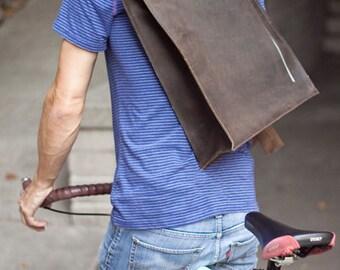 """Dark Brown leather Messenger Bag // """"rollltop"""" by fullgive"""