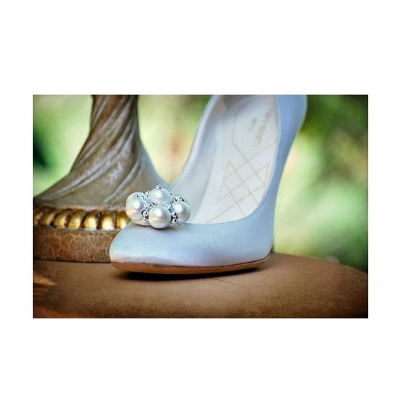 Pearls & Silver Flower Shoe Clips. Statement Winter Fashion Trend, Handmade Couture Bride Bridesmaid, Elegant Sophisticated Classy Classic