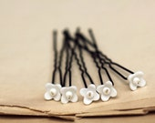 White flower hair pins bridal hair clip set wedding headpiece vintage flowers romantic  SET of 5 hairpins