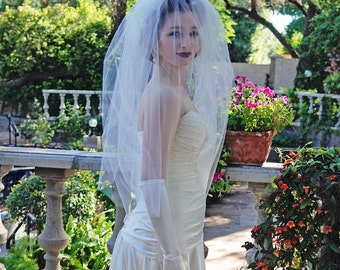 Bridal Veil - Short Full Two Layer Simple Wedding Veil with Blusher - 60s Veil - Vintage Style Veil - Fingertip Veil - Venice