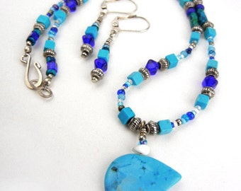 Turquoise bear pendant necklace & earrings set with blue and silver beads // animal totem // bear figurine