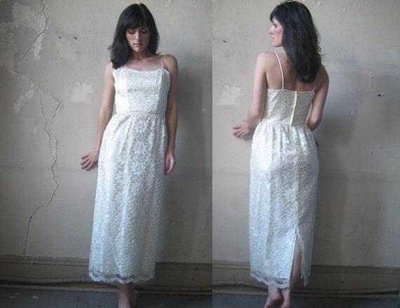 Vintage Lace Wedding Dress (s.m)