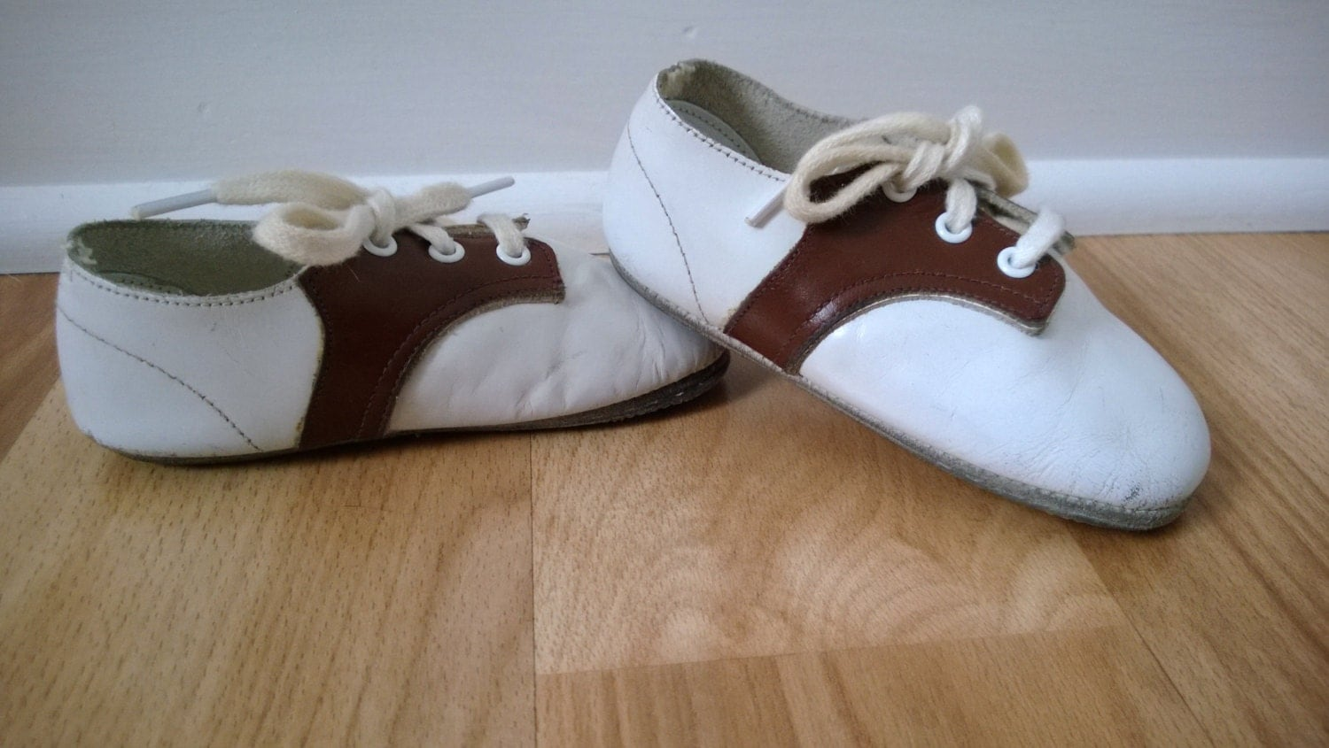vintage leather baby shoes 1950 s 1960 s by cassandrasnotebook