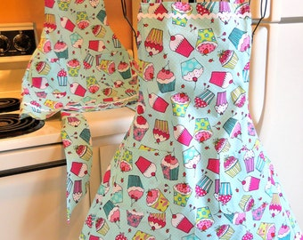 Mother Daughter Matching Retro Full Aprons with Cupcakes MADE TO ORDER