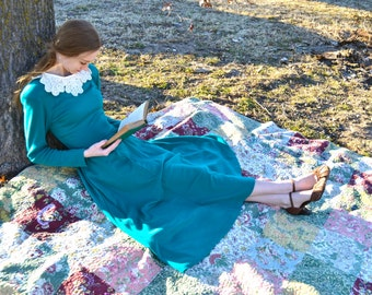 Teal Green Emily Dickinson Dress Victorian Literary Poet Regency Style Tea Length Sweetheart Neckline Pockets 1980s Emerald Forest Expo Gown