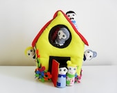 Felt Family House Play Set. Waldorf Inspired Plush Felt Dollhouse. Includes 6 Family Dolls. Felt Toy for Toddlers.