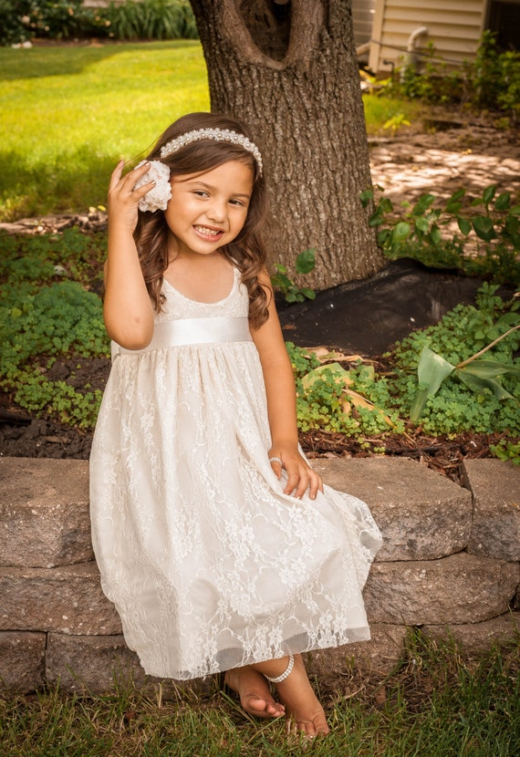 Lace flower girl dress beach flower girl by flowergirlscouture for Flower girl dress for beach wedding