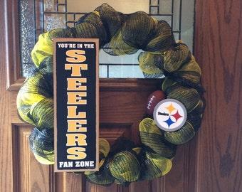 "NFL deco mesh wreath,  18"""