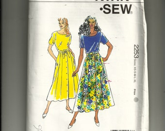 Kwik Sew Misses' Top and Skirt Pattern 2253