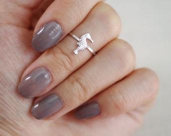 tiny seahorse midi ring . tiny seahorse ring . seahorse jewelry . beach jewelry . seahorse knuckle ring . nautical jewelry // 4SEAH