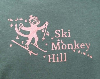 Ski Monkey Hill - Unisex T-Shirt