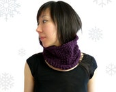 Merino Wool Chunky Knit Cowl / Snood / Neck Warmer. Men / Women. Purple Grape. Urban Style. Fall / Christmas / Winter.