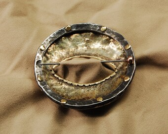 Glanceless Fibula / Perseus's Shield fibula-brooch