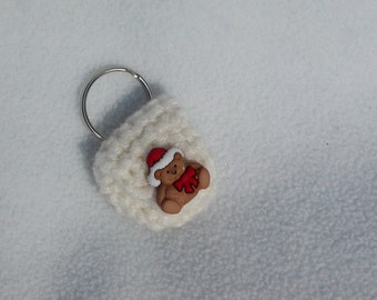 Crochet keychain Coin Cozy, coin holder, coin pouch, mini purse, coin purse, ring holder  - Off White with Santa Bear