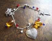 King's Wealth Glass, Pearl and Acrylic Charm bracelet