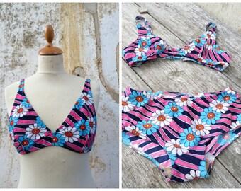 Vintage 1970/70s  floral & geometrical patterns  bikini 2 pieces swim suit size M