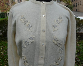 RARE Vintage 1950s off white embroidered cashmere cardigan sweater
