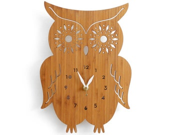 Owl Wall Clock with starburst eyes, modern wall clock, wall decor for nursery, kids room