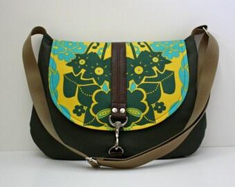 Cotton Canvas Messenger Bag / 4 Pockets / Nouveau Bouquet / Student Bag / Cross Body Strap