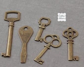 Keys - skeleton and antique style - set of 5 - Antique Brass -  Key Embellishment