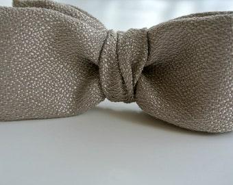 Gray Men's Bow Tie , Platinum Gray Bow Tie , Boys Bow Tie , Pre-tied Bow Tie , Clip-On Bow Tie , Bowtie , Men's Bowtie , Men's Wear