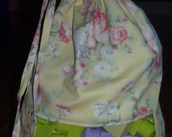 Roses on pale yellow peek a boo toy sack