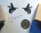2 Bees small rubber stamp WM P49C
