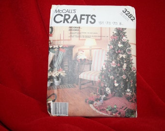 Uncut Vintage McCalls 3282 Christmas Soft Sculpture Ornament Sewing Pattern, Santa,Mrs. Claus,Tree Skirt,Garland,Wreath,Stocking SEWBUSY12