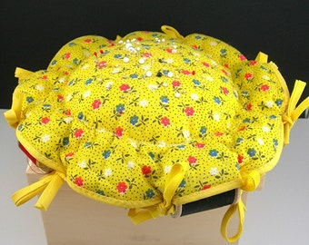 Yellow Pin Cushion, Calico Fabric, Large 9 Inch, Vintage c1960 1970, Sewing Collectible