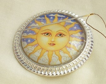 Sun Face Needle Minder on Silver Pendant Tray with Magnet