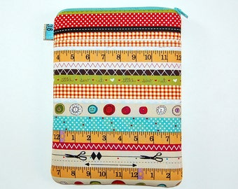 I Love Sewing - iPad Mini / Kindle / Nook / Nexus 7 Padded Cover with Front Pocket