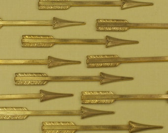 10 Large Vintage Brass Arrow Charms