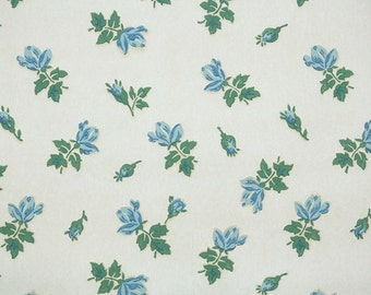 1940's Vintage Wallpaper - Floral Wallpaper with Small Blue Rosebuds on White