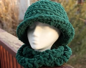 Soft ChunkyTeal Green Sparkle Cloche Hat With Matching Eternity Scarf