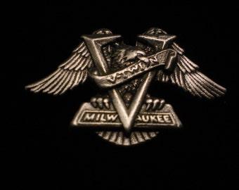 vintage harley davidson pin. EAGLE V TWIN