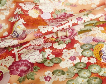 3761 - Japanese Kimono Chrysanthemum Floral Combed Cotton Fabric - 57 Inch (Width) x 1/2 Yard (Length)