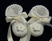 Crochet Soft White/Off White Little Lady Slippers Flower Pearl Newborn Baby Girl