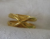VINTAGE X Gold Metal Costume Jewelry Ring