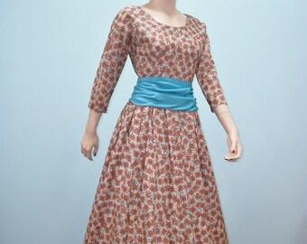 Vintage 50s Dress / 1950s Full Skirt Dress / Brown & Aqua Floral Print /  XS S