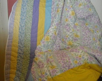 Twin Size Quilt with Rainbows and Daisies with Pastel Lilac, Yellow, Blue, Green, White,Purple