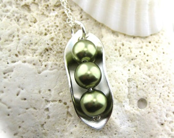 Three Peas in a Pod Necklace - Sterling Silver and Swarovski Crystal Pearls (NP006).
