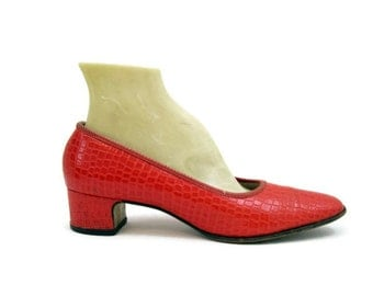 60s 70s Shoes Vintage MOD Red Faux Alligator Pumps 8