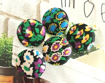Handmade Small Country Rustic Black Blue Purple Floral Flower Fabric Covered Buttons, Floral Fridge Magnets, Flat Backs, CHOOSE SIZE 5's
