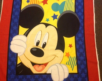 Mickey Mouse Out to Play quilt