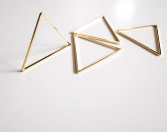 6 pieces of cut raw brass tube outline charm in triangle 40x1.5 mm plated in gold color