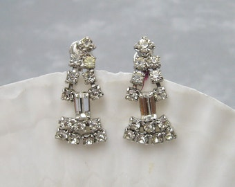Vintage Rhinestone Earrings Dangly Jewelry E5923