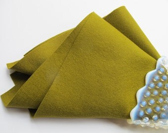 Raw Umber, Wool Felt Square, Pure Merino Wool, Craft Sewing Supply, Golden Green, Penny Rug Supply, Nonwoven Wool, Applique, Quilting Fabric