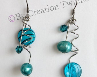 aqua blue and pool blue earrings,wedding jewelry, spiral earring, wedding favor, modern earrings, dangle earrings, bridesmaids gift